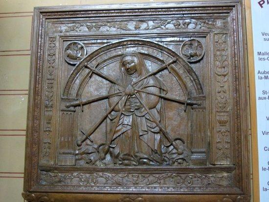 """Cany-Barville, Franciaország: Eglise de Cany : contre-table """"Notre-Dame des douleurs, avec les 7 épées et le coeur renversé"""" ."""