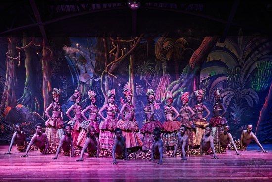 Safari Park Hotel: Safari Cats Dancers