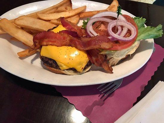 Seneca Falls, NY: bacon/cheeseburger
