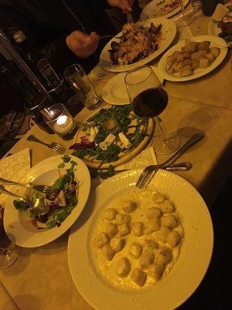 Bernini Restaurant: Gnocchi with cheese