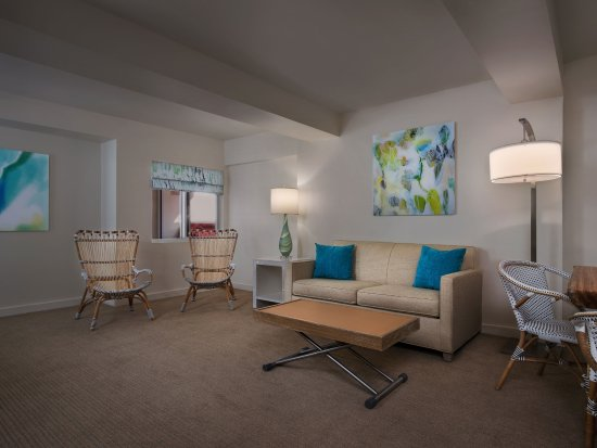 Two Bedroom Suite Living Area Picture Of Marriott Vacation Club Pulse South Beach Miami