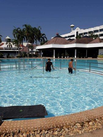 Amarin lagoon hotel bewertungen fotos preisvergleich for Swimming pool preisvergleich