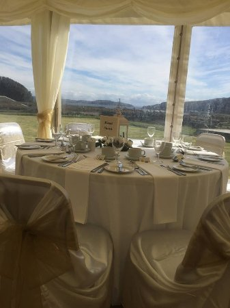Kilchattan Bay, UK: Marquee Wedding Setup