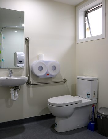 Oxford, New Zealand: OQB Accessible Toilet