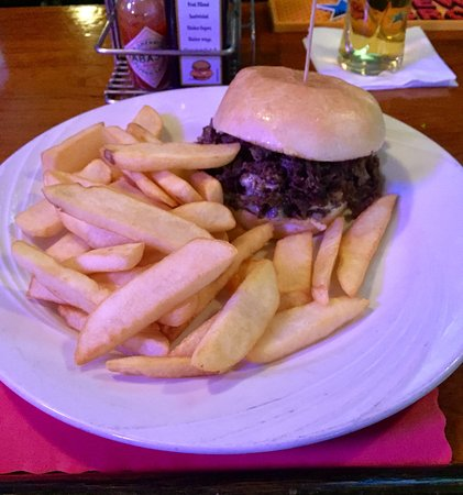 Old Forge, Pensilvania: Cheese Steak Sandwich and Steak Fries
