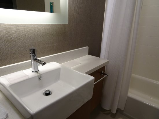 Lenexa, KS: bathroom