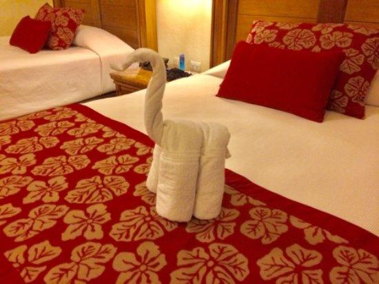 Catalonia Royal Tulum Beach U0026 Spa Resort: Decorazioni Con Asciugamani In  Camera (ogni Giorno