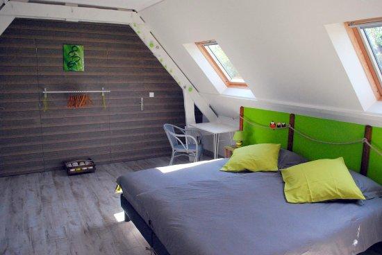 la chambre Vert Pomme - Picture of Chambres d\'hotes Au Gre ...