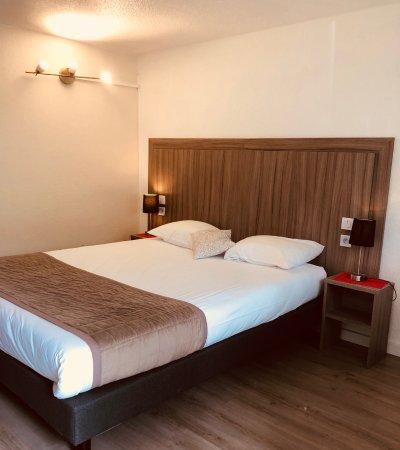Kyriad avignon centre commercial cap sud hotel france for Prix chambre kyriad