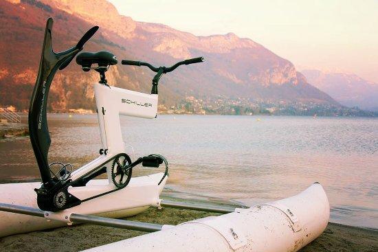 Cap-d'Agde, Francia: glissez sur l'eau avec le waterbike et tentez l'aventure BIKE OF SEA !!!