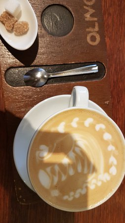 Olivo Caffe & Bistro: The latte (Yum)