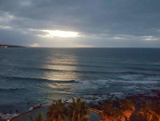 OCEANO Hotel Health Spa: Abendstimmung nach der Sauna gemütlich im Bademantel auf dem Balkon