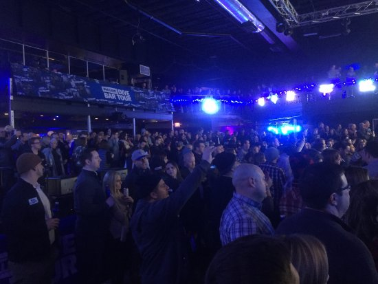 First Avenue: Crowd