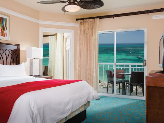 ‪‪Marriott's Aruba Surf Club‬: Villa Master Bedroom - Oceanfront‬