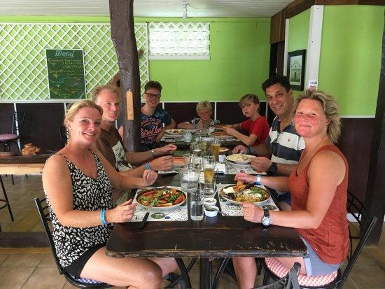 Curubande, Costa Rica: Gente muy contenta...