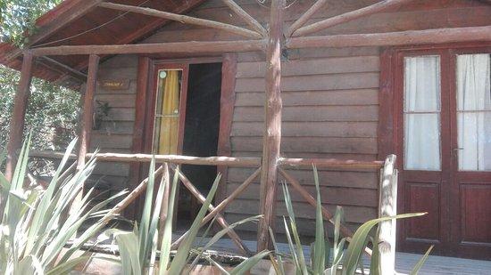 Claromeco, Argentyna: Frente de la cabaña, sobre la calle 44