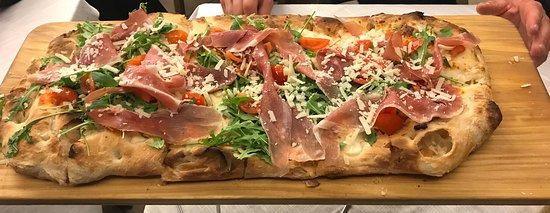 Cerro Al Lambro, إيطاليا: Pizza con lievito madre