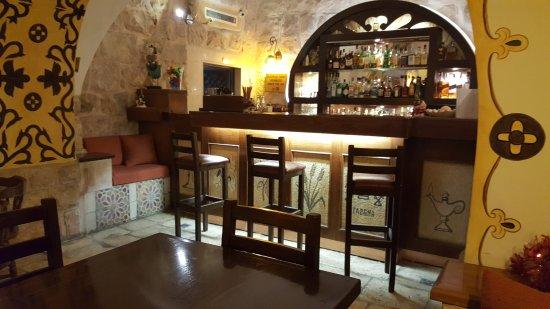 Gloria Hotel: the bar