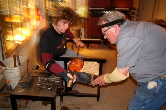Akron, OH: Jack and Sebastian in the hot shop