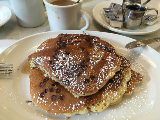 Pancakes Aux Pepites De Chocolat Picture Of The Flame Diner New