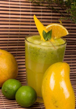 Tepatitlan de Morelos, Mexique : Jugo Tropical (mango, naranja y albahaca)