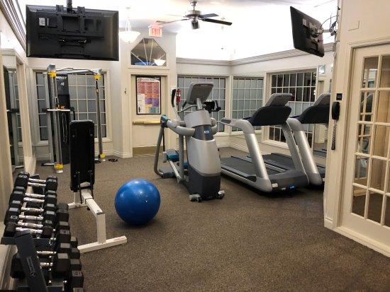 Best Western Heritage Inn: Amazing gym! High end modern machines, TV's that work, clean, and well lit. Definitely appreciat