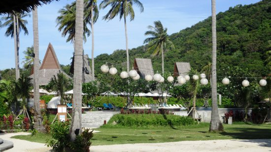 Phi Island Village Beach Resort Les Bungalows Et La Verdure