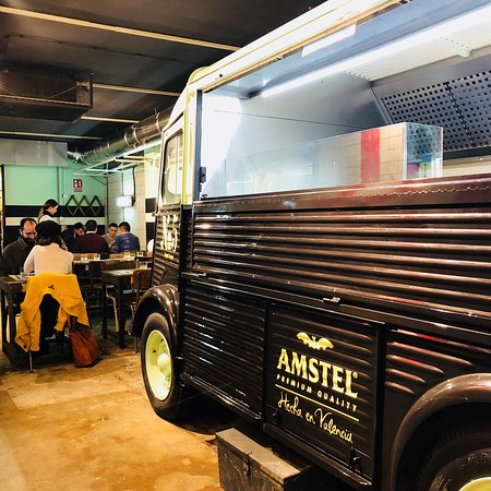 el restaurante picture of n5 burger garage valencia ForAppoggiarsi All Aggiunta Al Garage