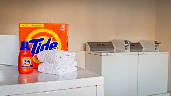 San Ysidro, CA: Laundry Facilities