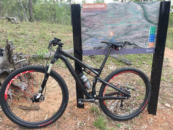 Mareeba, Australia: trail map boards along trails.