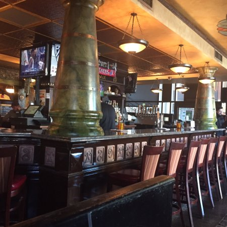 Restaurants Near  Government St Mobile