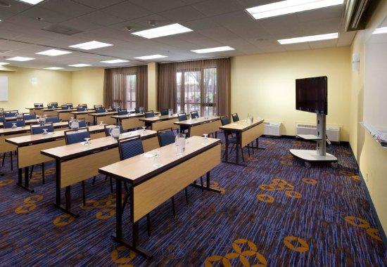 Courtyard Tampa Westshore/Airport: Meeting room