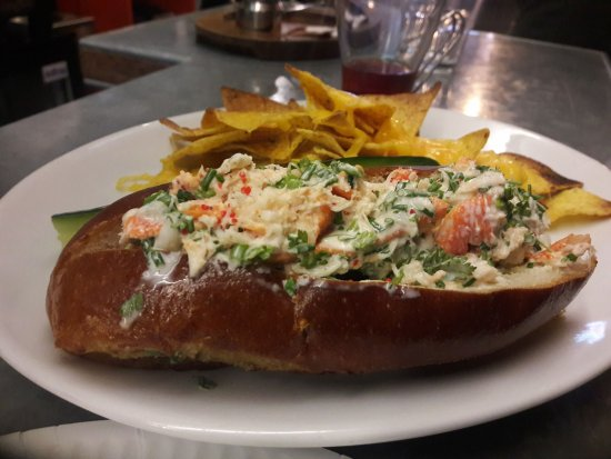 Lobster roll and mac n cheese. - Picture of Klaw, Dublin - TripAdvisor