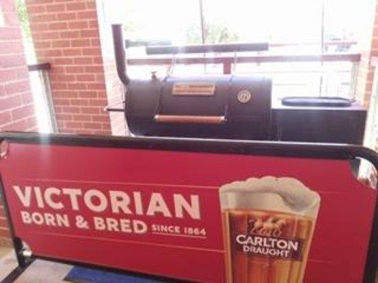 Meeniyan, Australia: big smoker bbq
