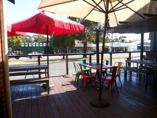 Meeniyan, Australia: outside drink / eat area