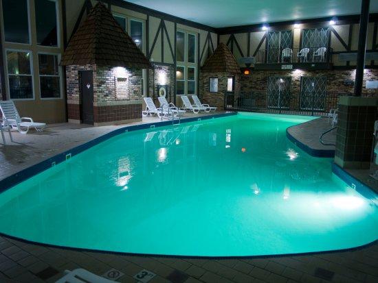 days inn suites coralville updated 2018 motel reviews. Black Bedroom Furniture Sets. Home Design Ideas