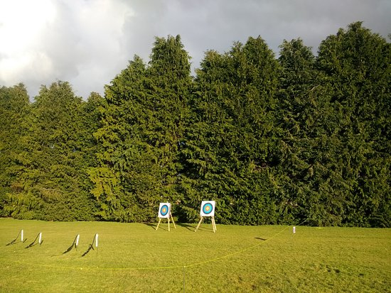Blairgowrie, UK: Family archery in Alyth, Perthshire
