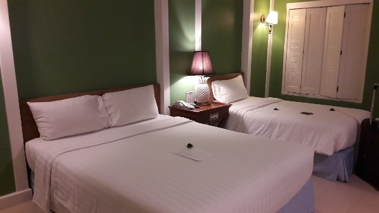 Andaman Seaview Hotel: 20171215_194222_large.jpg