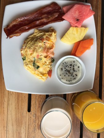 JW Marriott Hotel Quito: Executive lounge - breakfast sample