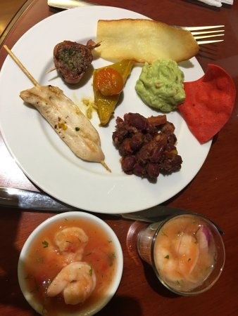JW Marriott Hotel Quito: Executive lounge - dinner sample