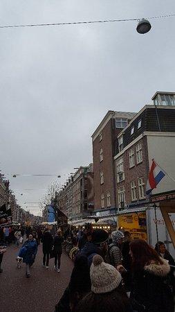 Albert Cuyp Market: Busy market area