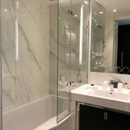 img20171203083001 picture of la villa haussmann paris tripadvisor. Black Bedroom Furniture Sets. Home Design Ideas