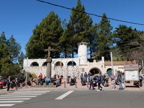 Cruz de Tejeda, إسبانيا: Concentración motera en la cruz de tejeda
