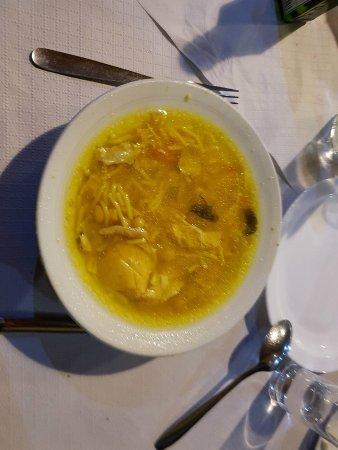 Dedo de Dios: zupka, bulionik drobiowy z warzywami...lepiej wyglada niz smakuje :(