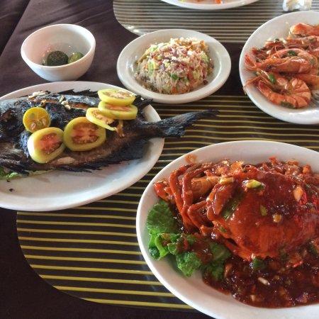 Rosewil's BBQ Seafood Haus: photo0.jpg