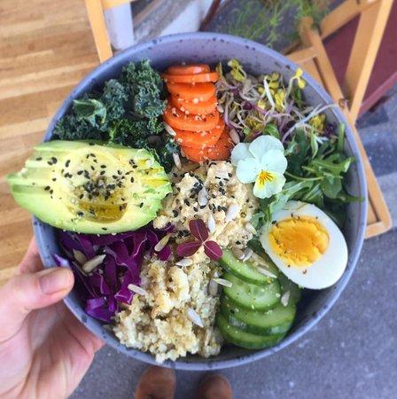 Valby, Danemark : Power bowl with vegan dressing