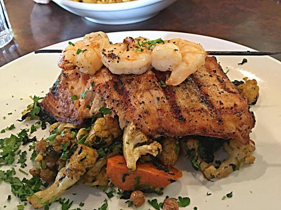 East Grand Rapids, มิชิแกน: Grilled Salmon