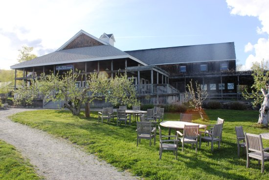 J's Restaurant: Nashoba Valley WInery