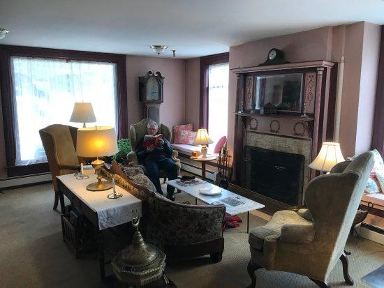 Old Stagecoach Inn Photo
