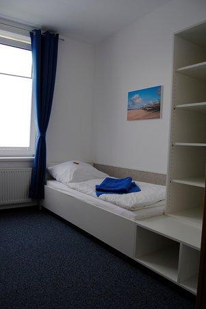 Norderney ferienwohnung 2 schlafzimmer  Schlafzimmer mit 2 Betten in der Ferienwohnung - Bild von Klipper ...
